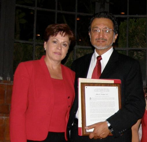 """Maria and Dr. Albert Arteaga. The California Medical Association awarded Abert Arteaga the """"Ethnic Physician's Leadership Award,"""" recognizing his contributions to medical care in the Latino community."""