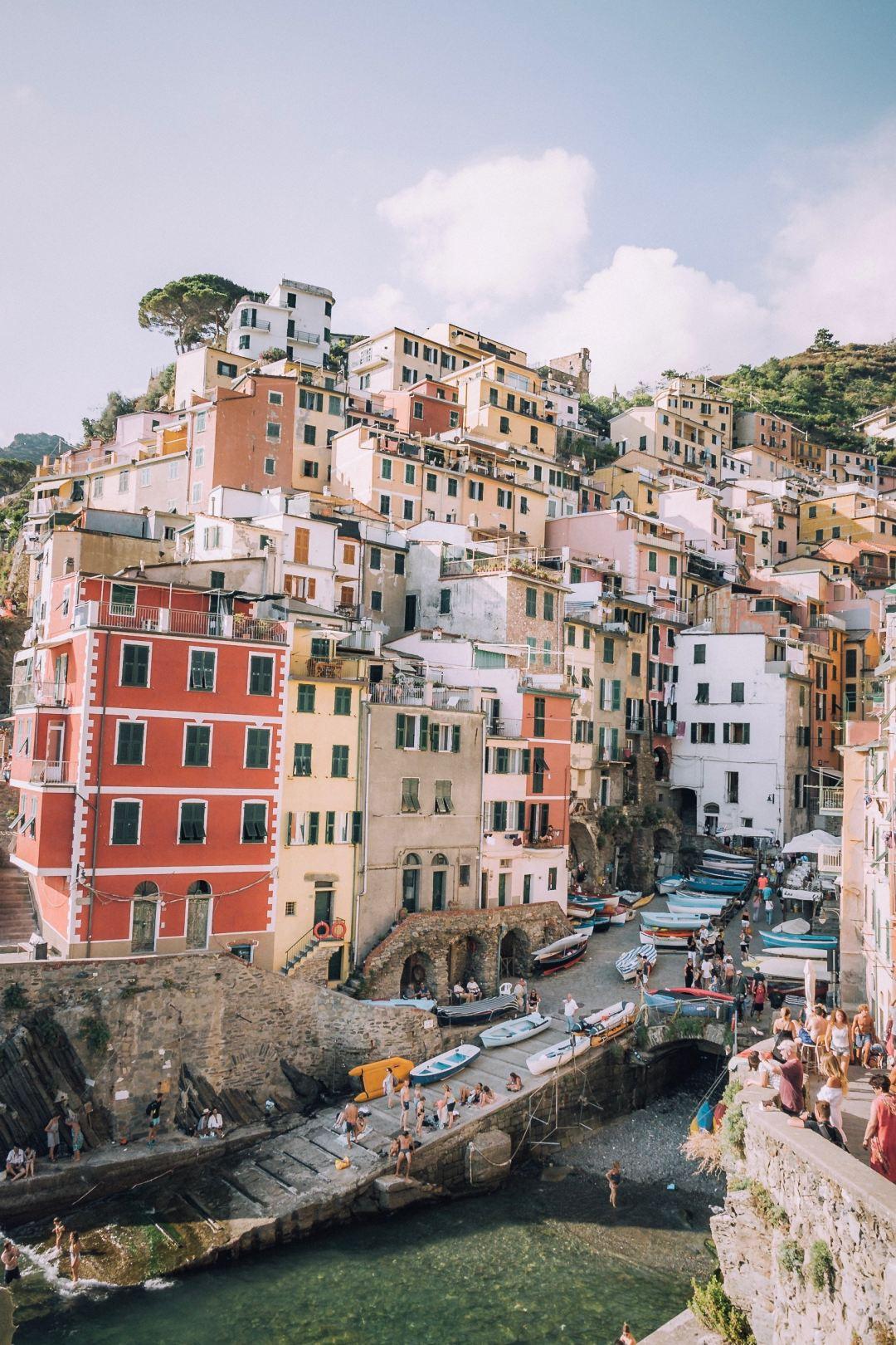 Dame Traveler's March Playlist: La Bella Vita, An Italian Escape