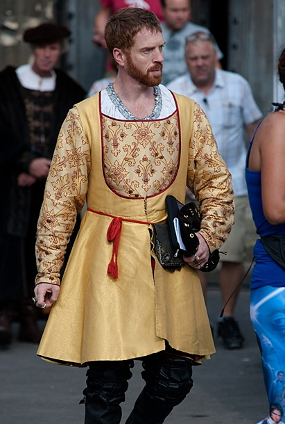 Damian Lewis filming 'Wolf Hall' in Gloucester