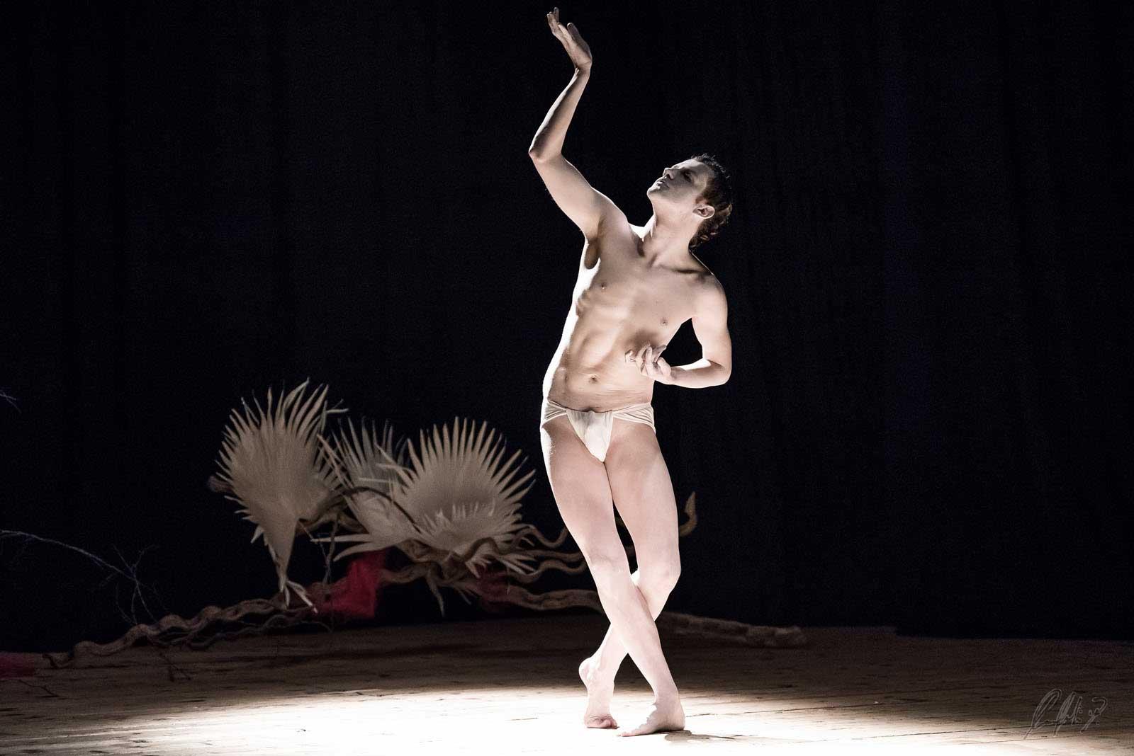 Damiano Fina Requiem butoh dance ritual
