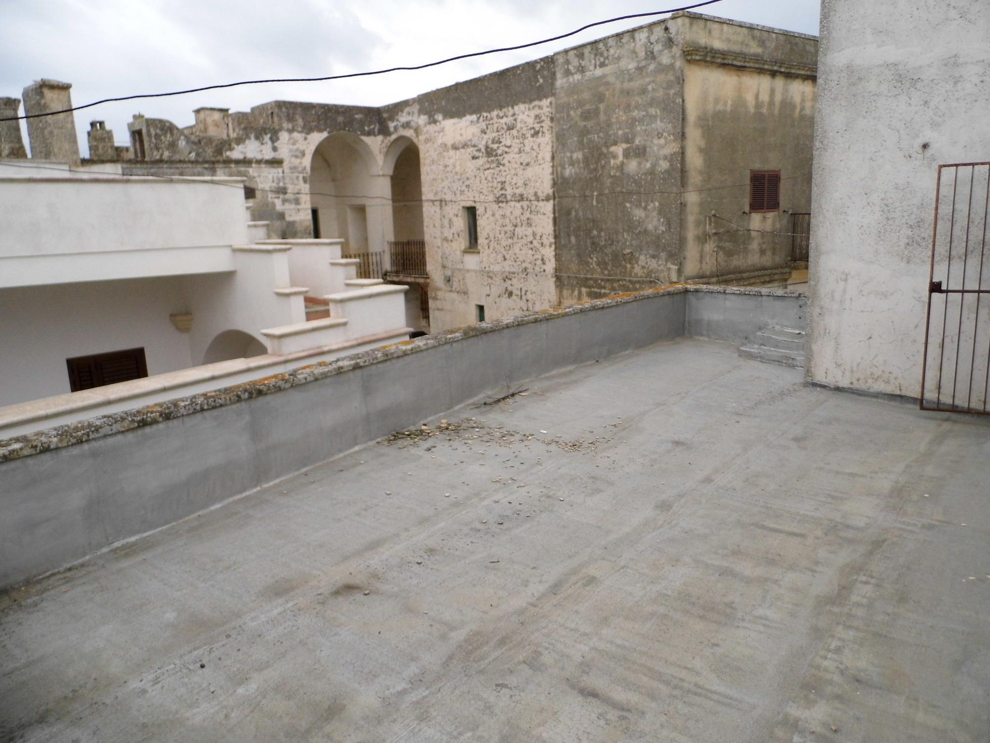 Antica casa in centro storico a Giuliano  Castrignano del