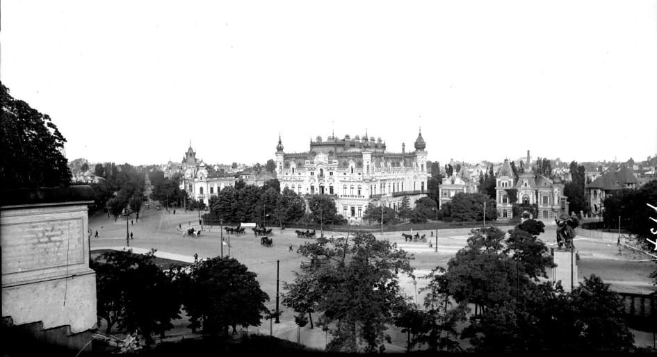 piata-victoriei-din-bucuresti-acum-100-de-ani