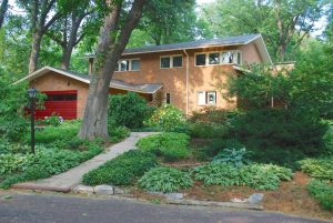 Newly Listed: 2800 Sims