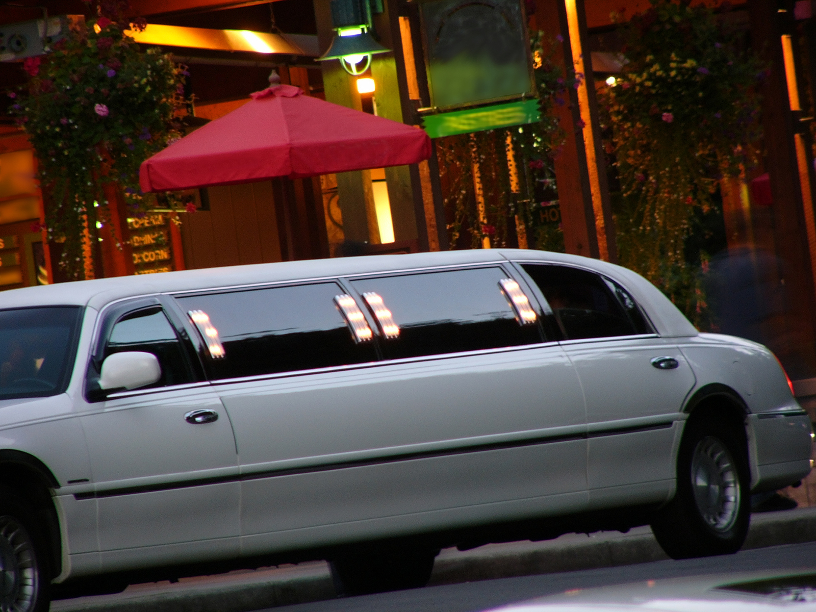 Danbury Limo Services Limo Rental & Limousine Services in