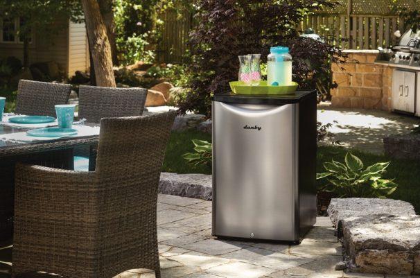 Best outdoor bar fridge