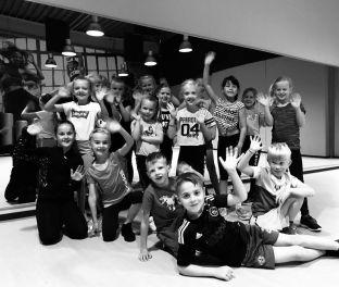 Kids dance in Schagen