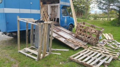 Pulling the pallets apart