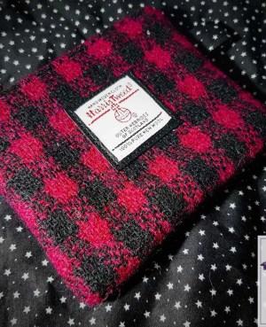 Harris Tweed coin purse: Raspberry check