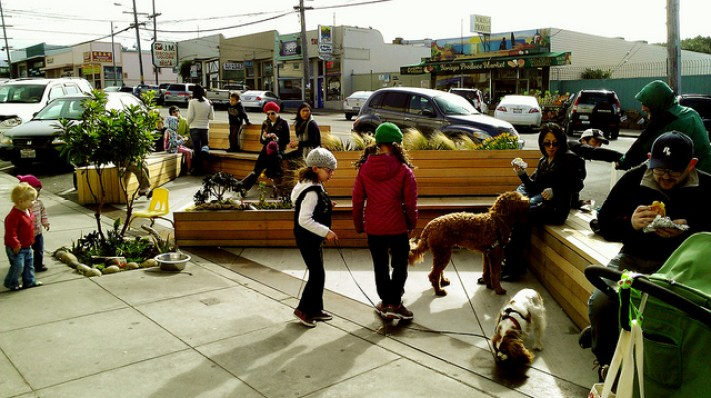 Parklet In Front of Devil's Teeth Bakery (Photo by: San Francisco Planning Department)