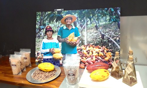 Table display at OBOLO chocolate in Santiago, Chile