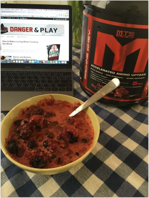 Whey protein and berries.-001