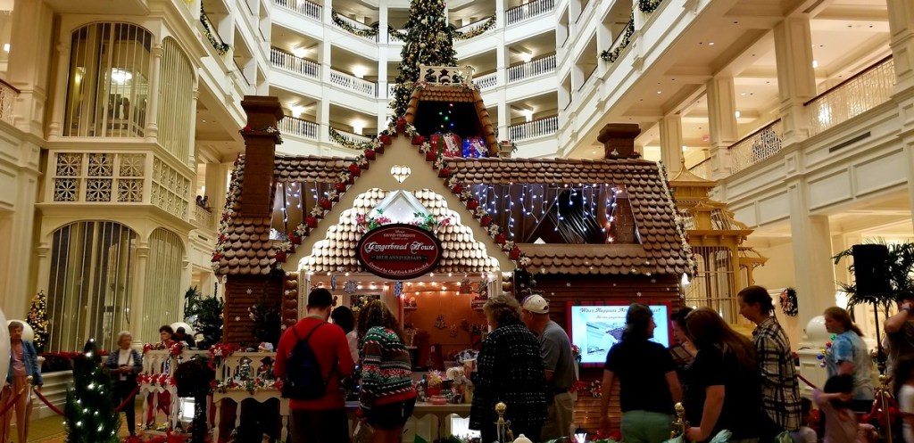 Orlando is not just for theme parks, check out these 10 festive things to do including the Grand Floridian hotel!