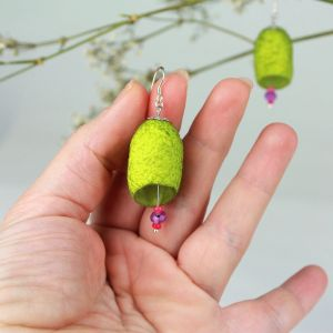 Pendientes color pistacho