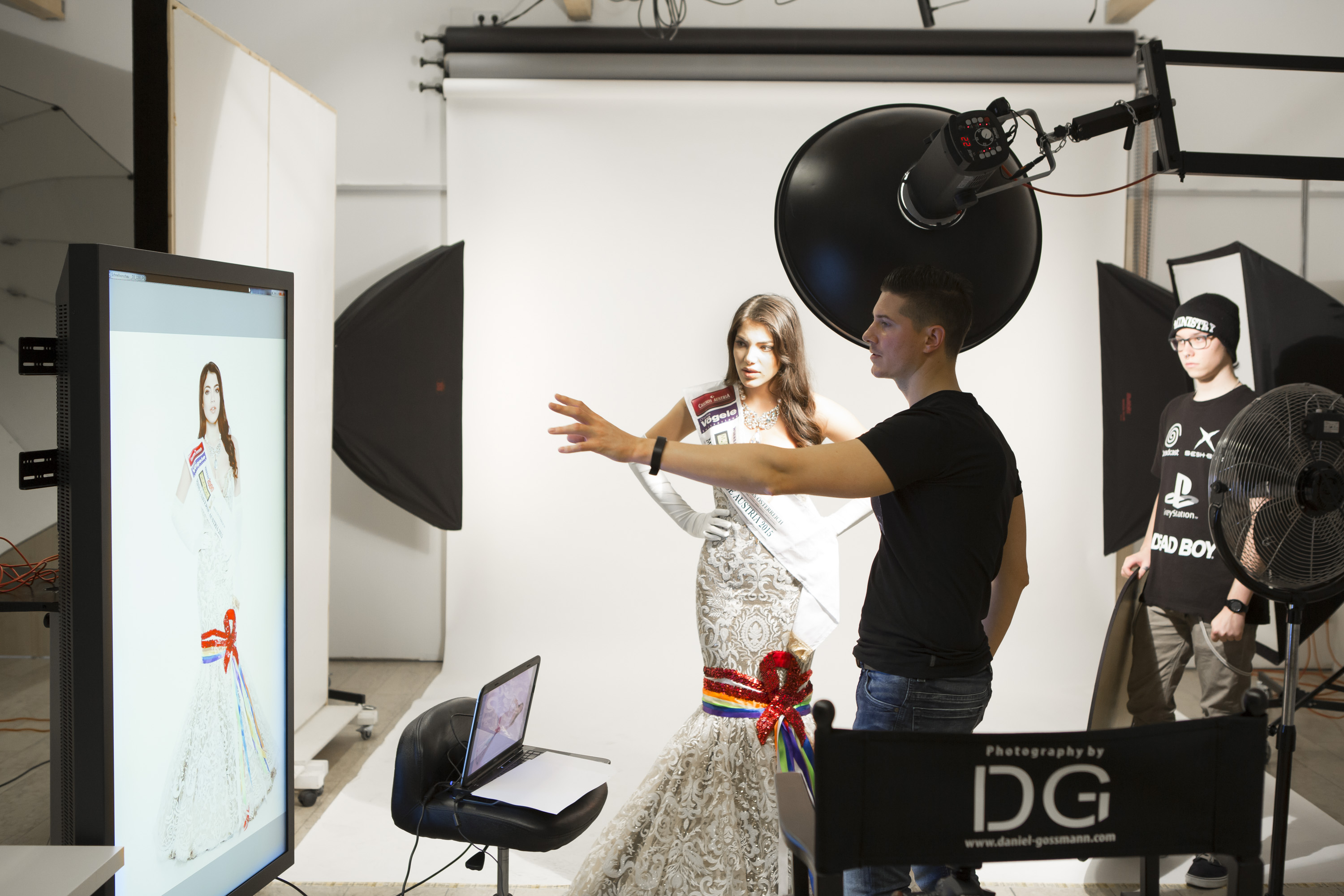 Miss Universe Shooting -  Amina Dagi - by Daniel Gossmann Photography _ dress by Aviad Arik Herman _ (c) www.studiozone.at 1