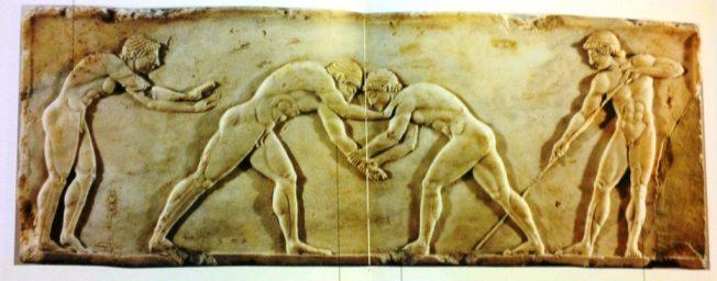 Base di statua a rilievo, Scena di lotta, dal muro di Temistocle, 510-500 a.C., Atene, Musco Archeologico Nazionale.