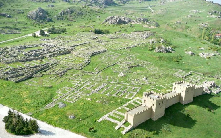 hittite-village-reconstruction-ancient-hattusha_3