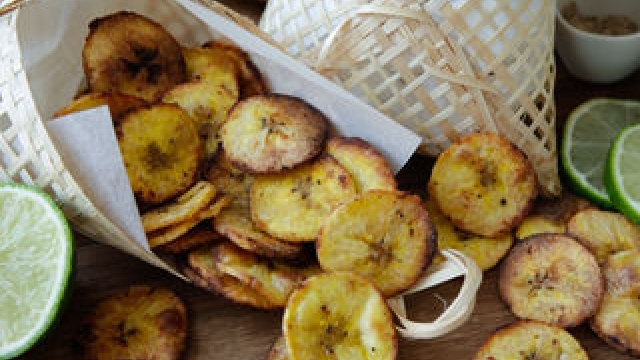 Crispy Baked Plantain Chips – 3 Delicious Flavours
