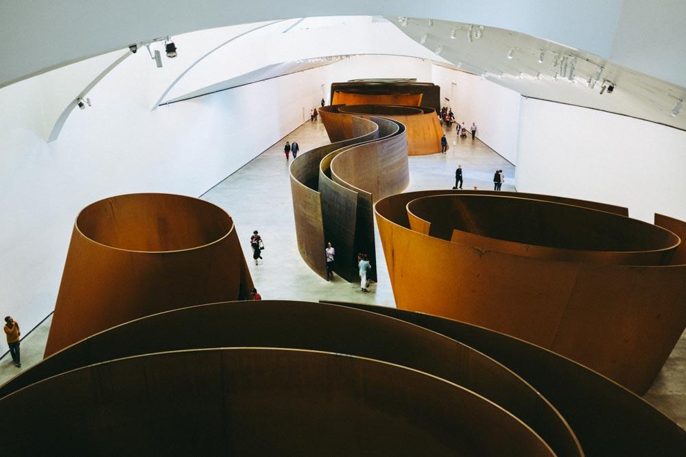 Bilbao_GuggenheimSteepSculptures