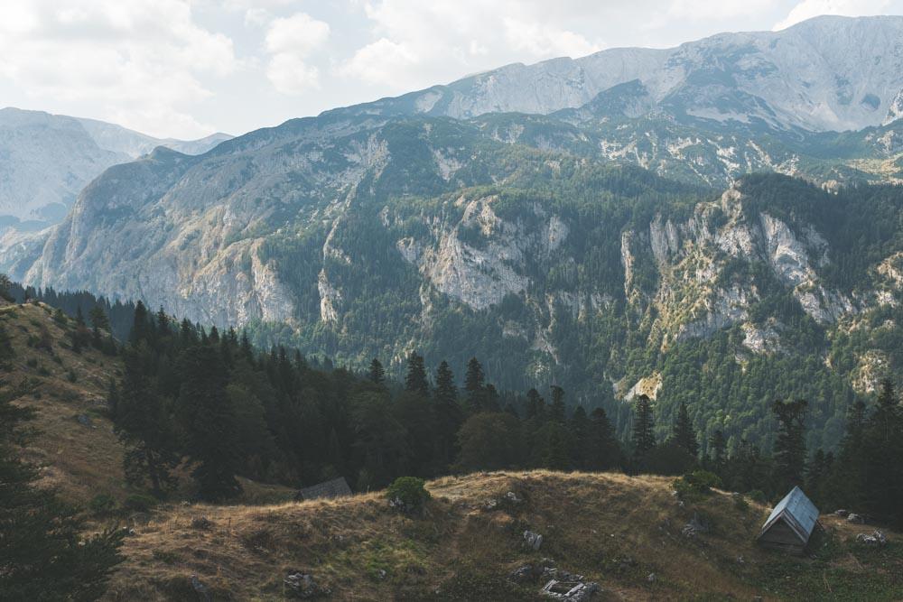 Montenegro_HikingHouse2