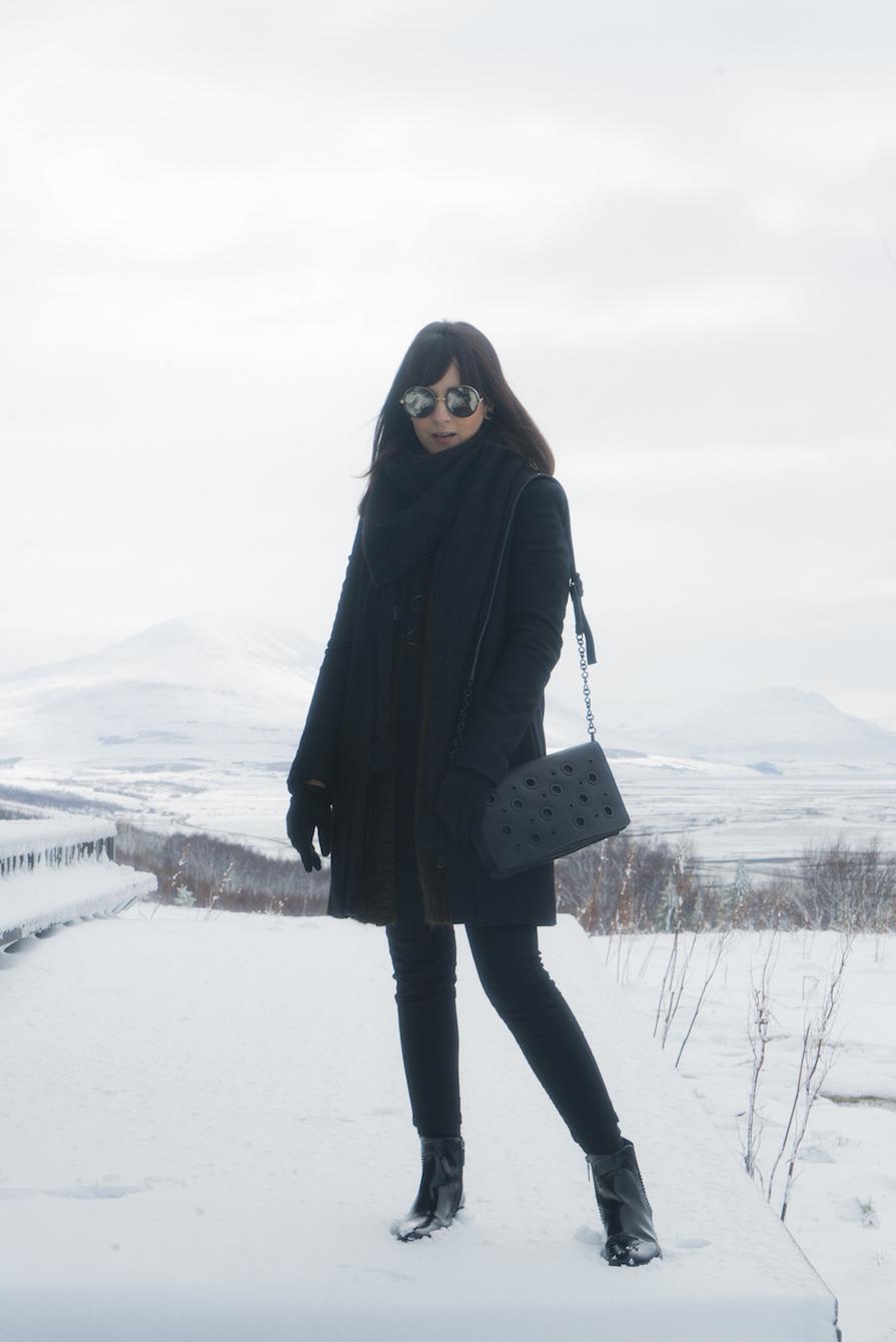 paisagens-deslumbrantes-e-look-black-na-islandia-danielle-noce-3