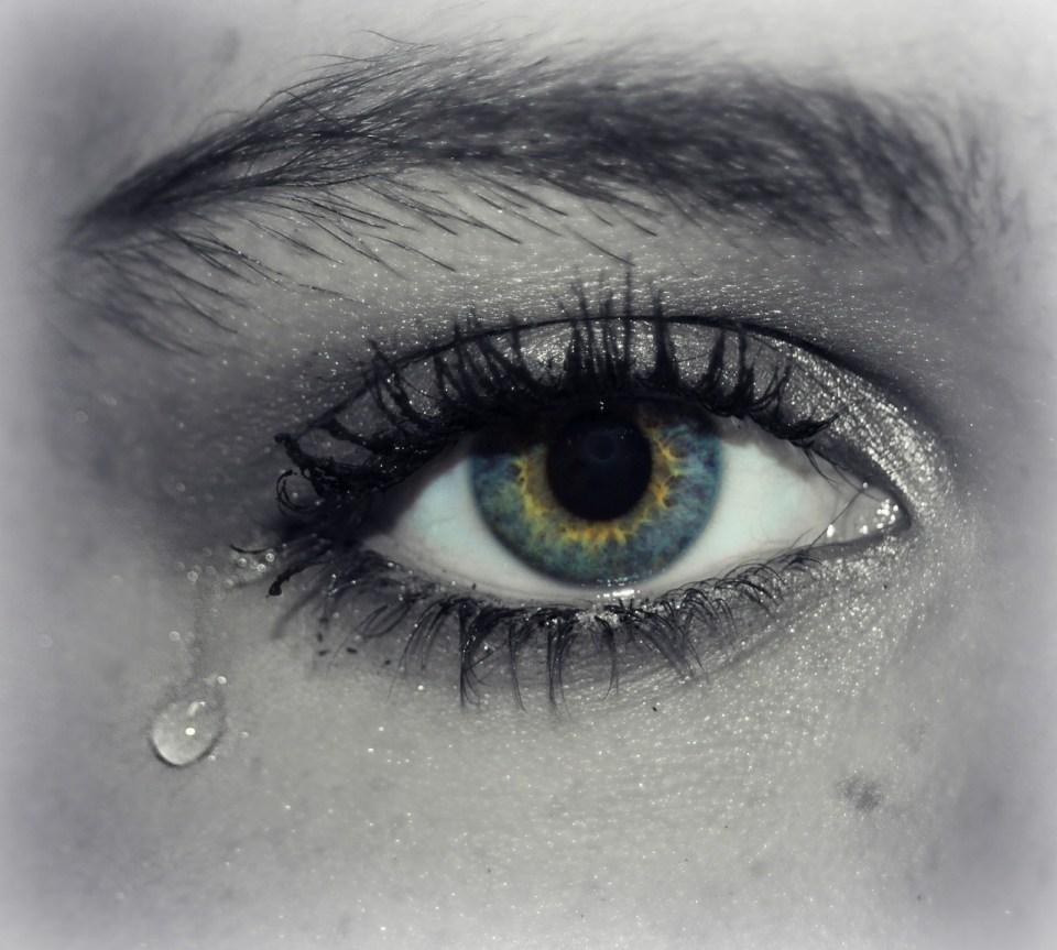 traan uit oog, huilen, ik wil huilen