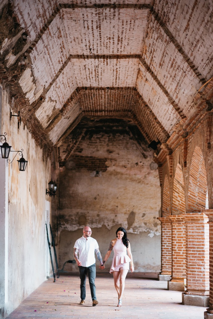 engagement photos la merced antigua guatemala