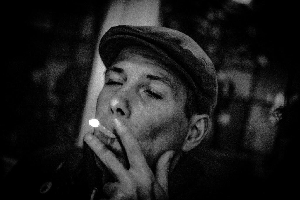 Musiker einer Oi-Punk-Band in einer Kneipe, Hannover 2016