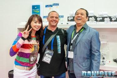 DaniReef con John Ong allo stand Skimz