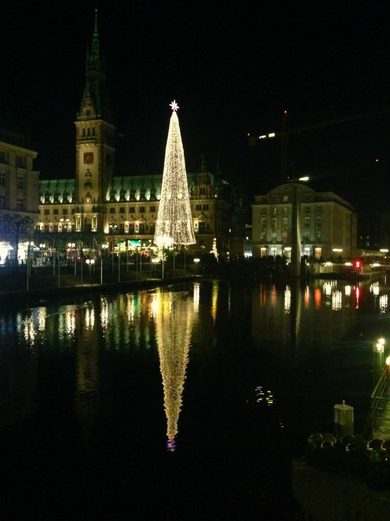 Det flotte juletræ ved Rådhuset