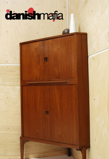 Corner Cabinet With Drawers