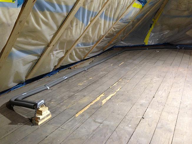 heizung an der wand apparatus boiler heater stockfotos apparatus boiler heater bilder alamy. Black Bedroom Furniture Sets. Home Design Ideas