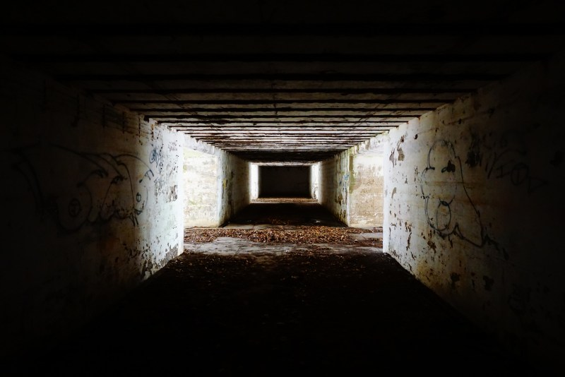 Tunnel connecting two pits of an abandoned mortar battery