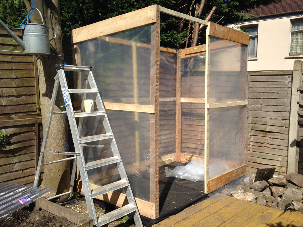 Wooden-GreenHouse4