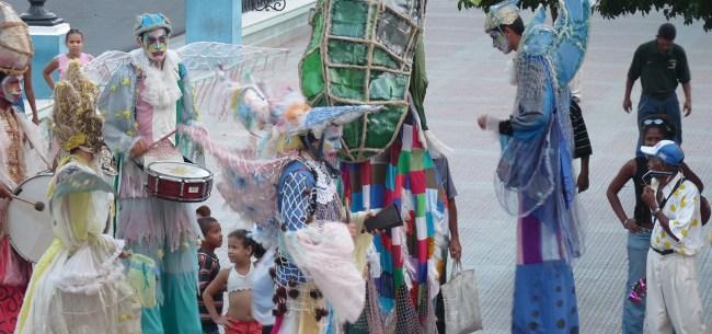 danseurs de rue à Cuba