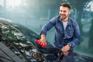 How to Clean Your New Windshield-auto glass replacement-Dans Glass