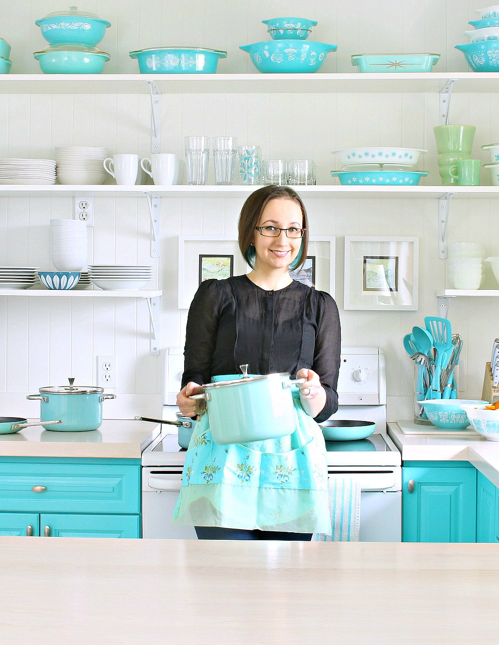 Kitchen to Match Turquoise Pyrex