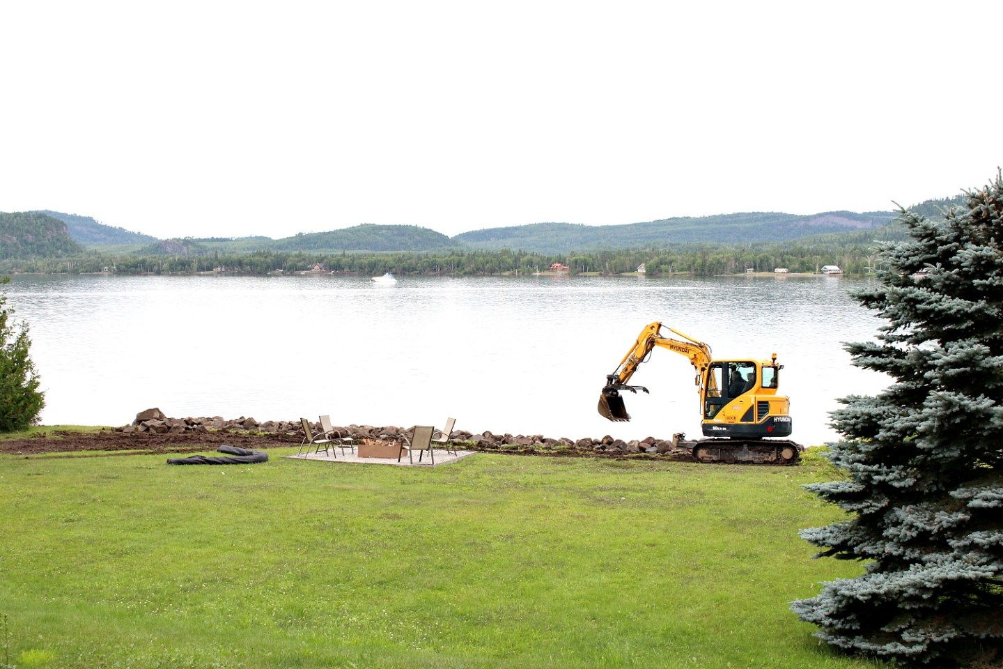Stone Shore Erosion Structure: How to Save a Lakefront Lawn from Shore Erosion