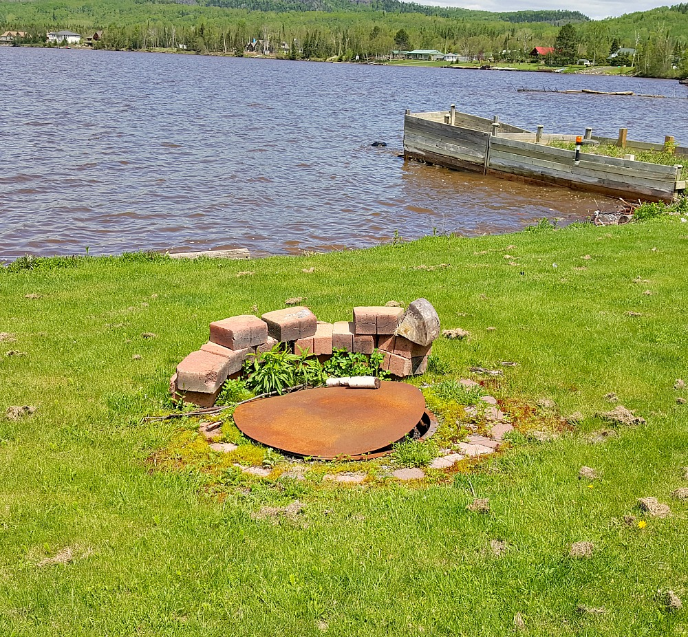 Fire Pit Makeover Before