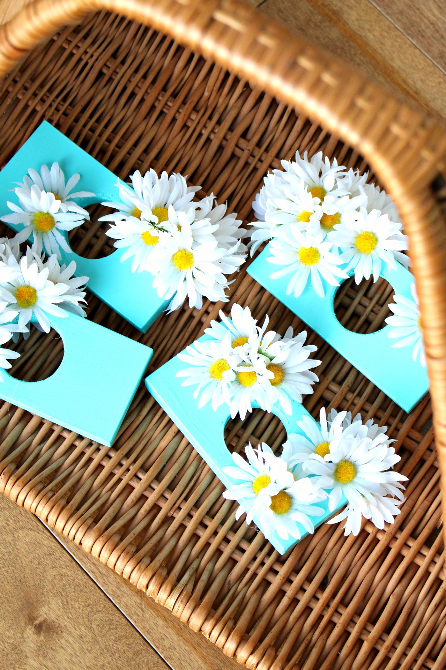 DIY Scrap Wood Napkin Rings with Daisies | Mod Faux Flower Craft