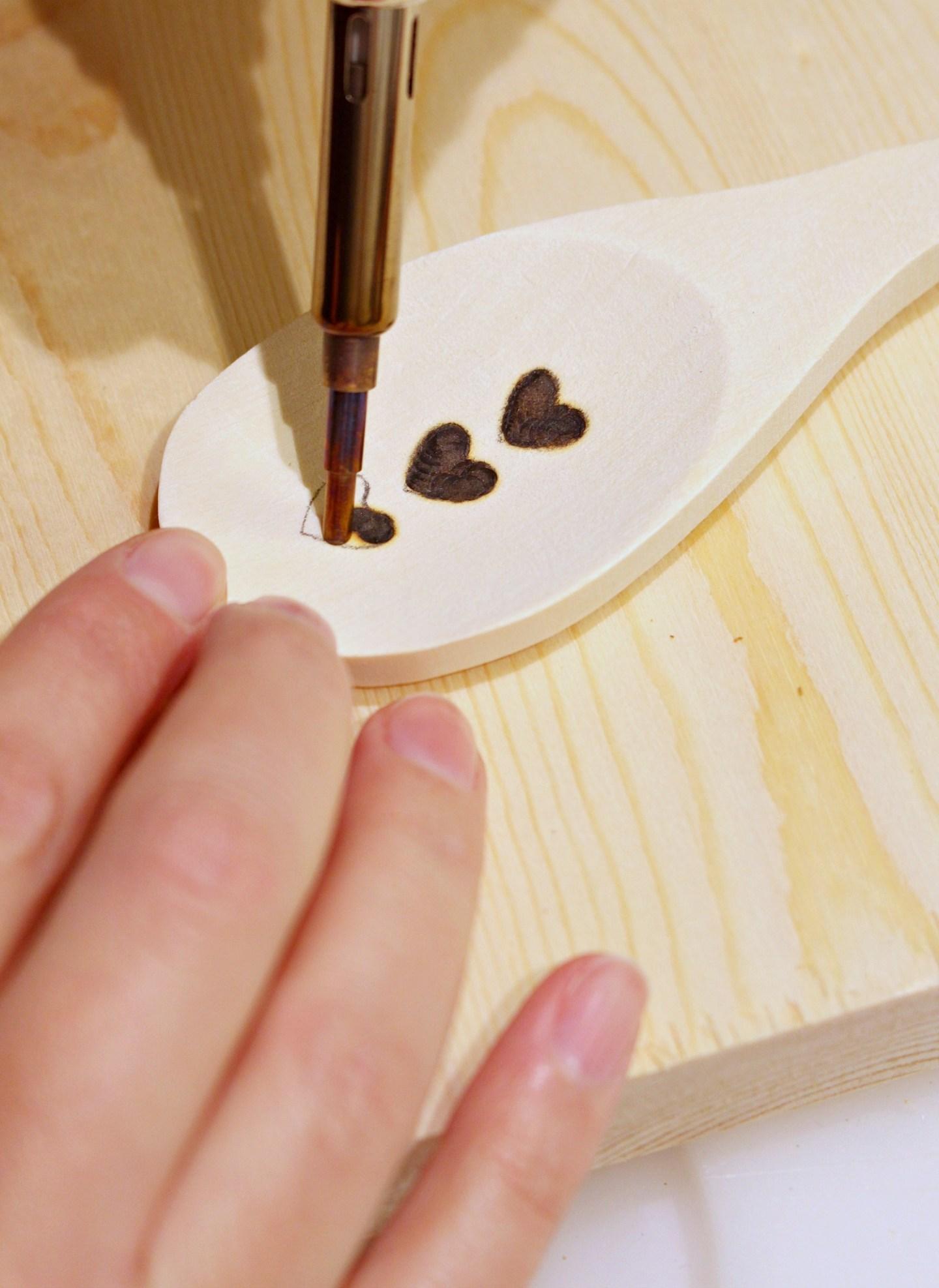 DIY Wood Burned Spoon Tutorial
