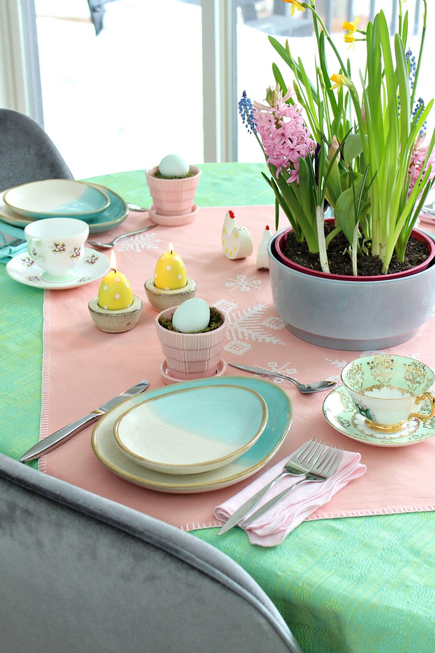 pastel spring tablescape