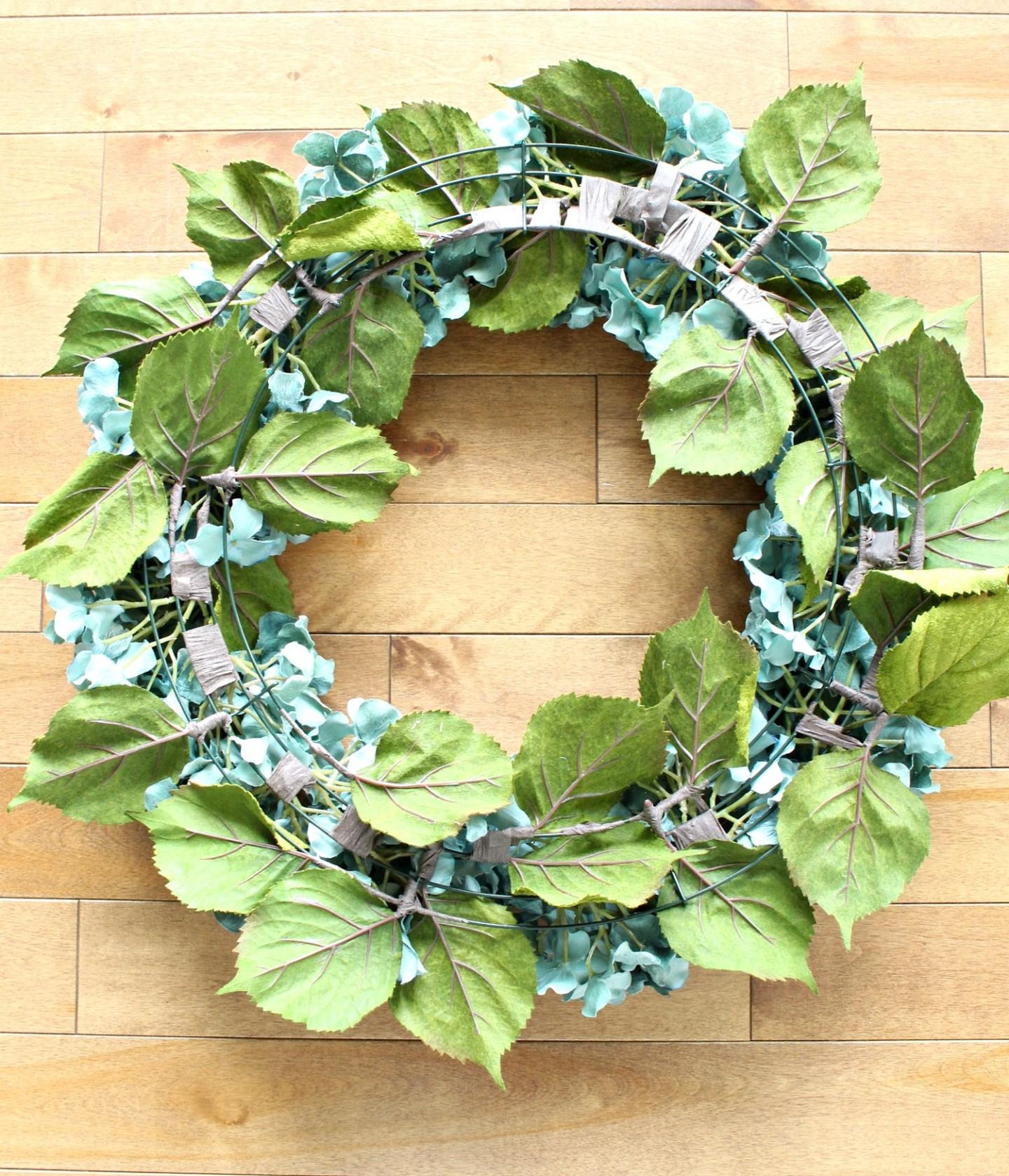 Easy DIY Hydrangea Wreath   How to Make a Hydrangea Wreath for Summer