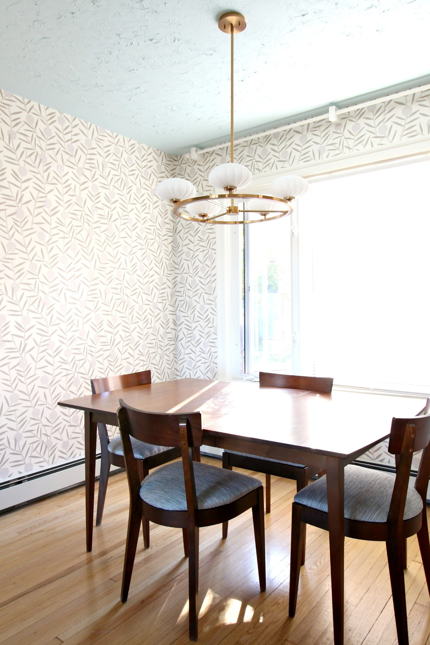 Kaufman of Collingwood Dining Table and Chairs