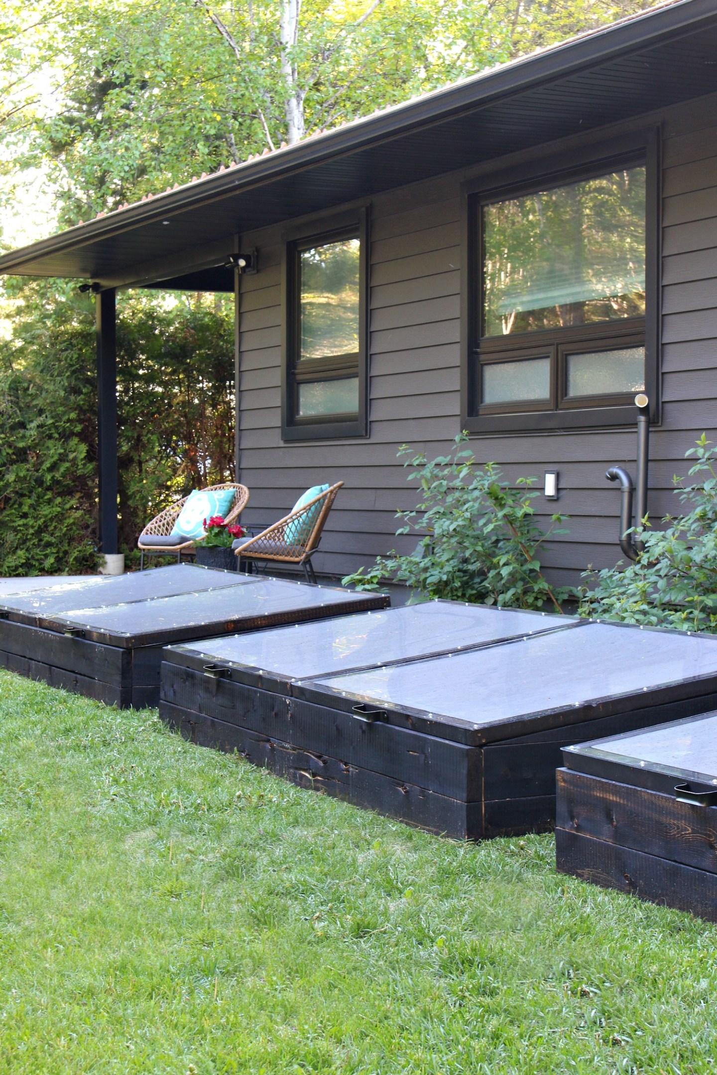 Modern Black Mini Greenhouse Gardens
