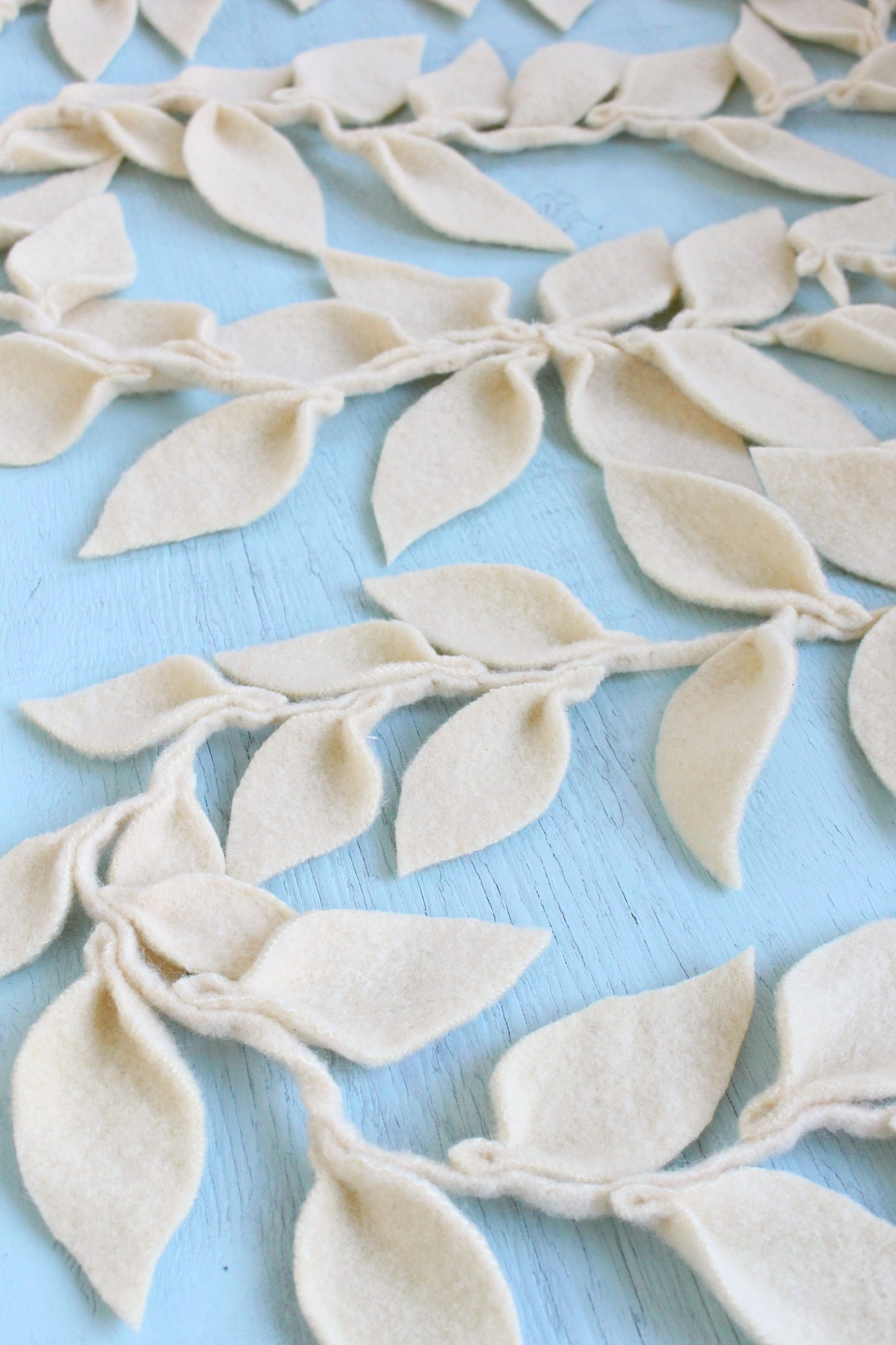 How to make a felt leaf garland