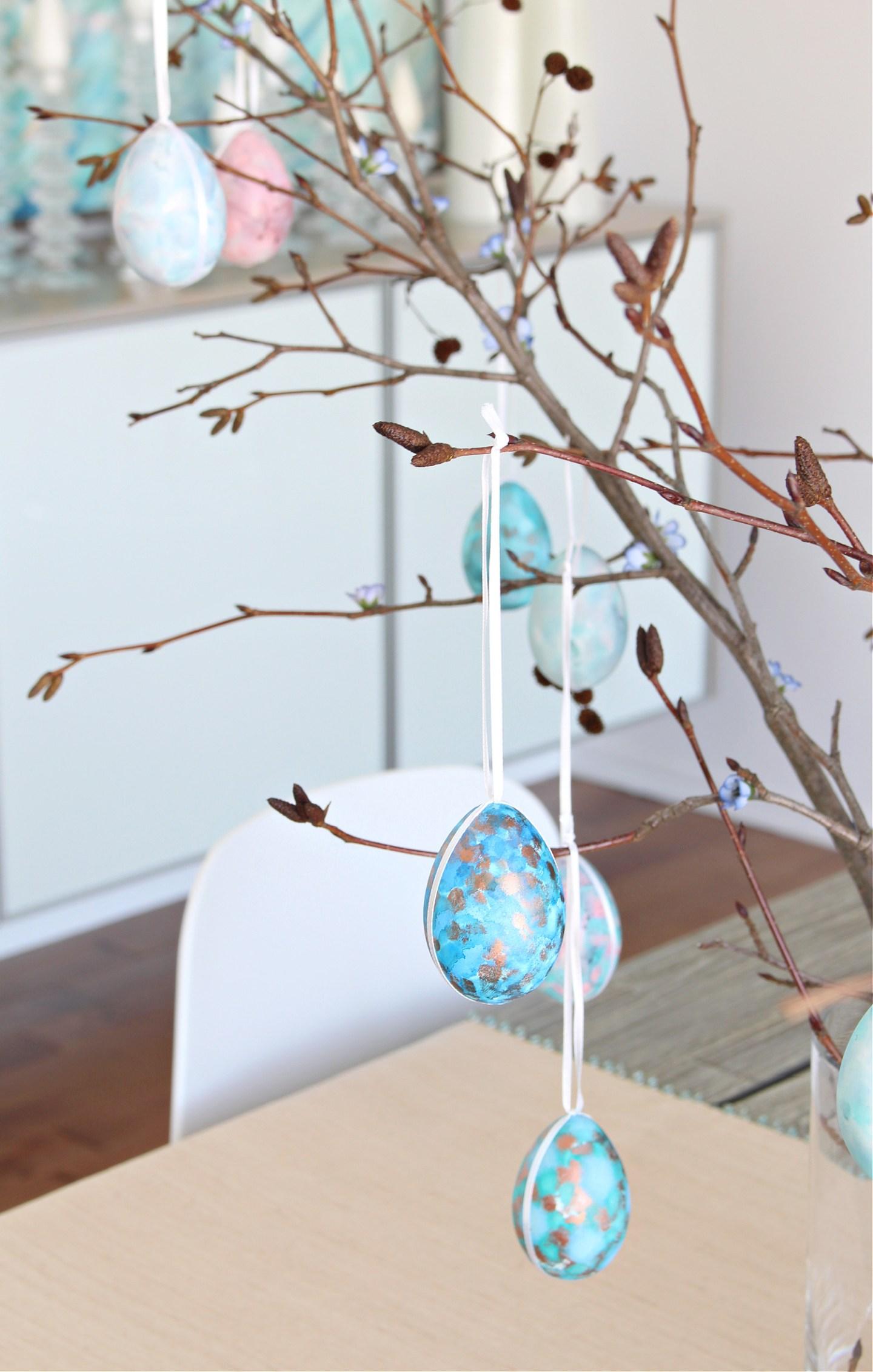 Easy DIY Easter centerpiece