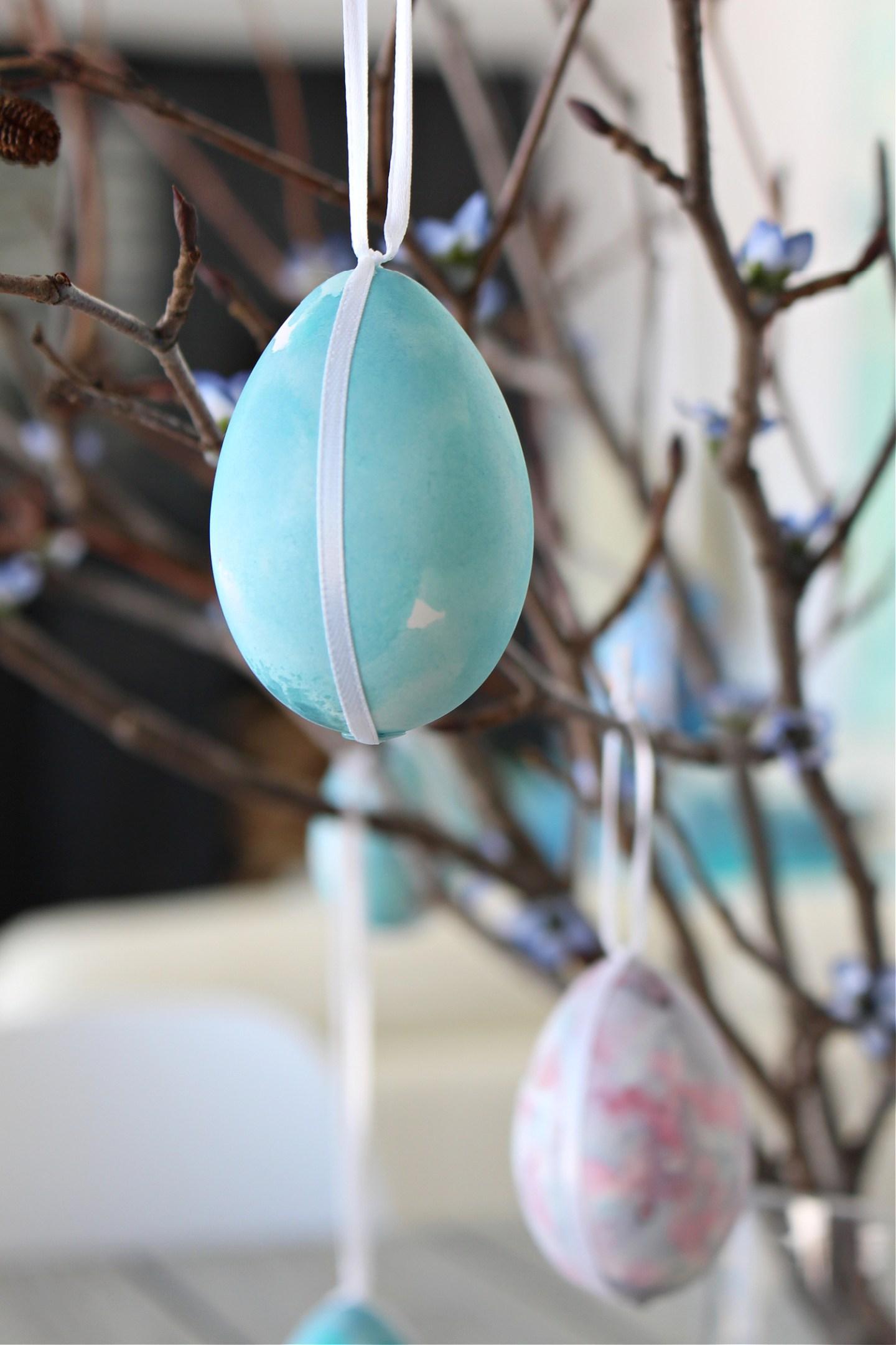 Turquoise Easter egg spring decor