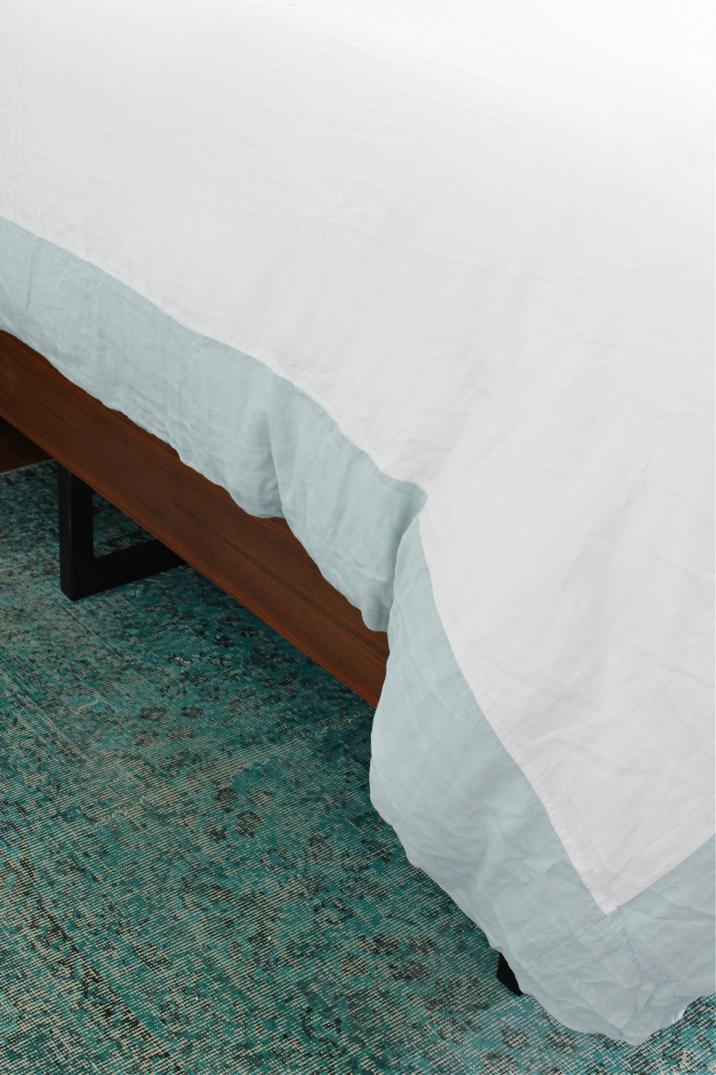 Add a contrasting band of color to a duvet cover