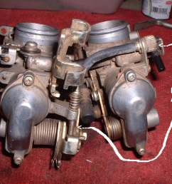 center between the carburetors  [ 1600 x 1200 Pixel ]