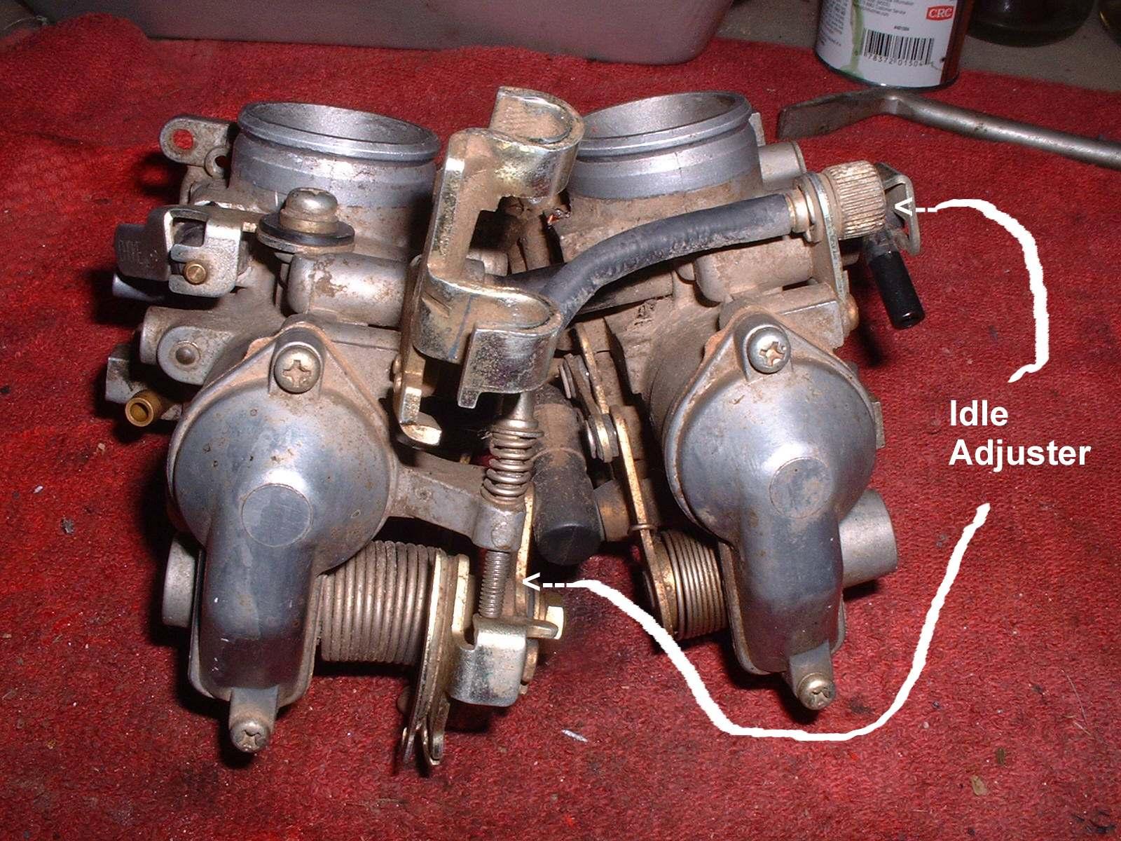 hight resolution of  center between the carburetors
